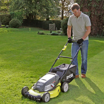 Tondre une pelouse simple moteur thermique with tondre for Tarif pour tondre pelouse